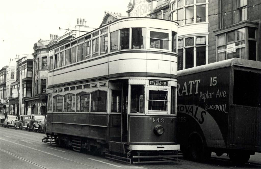Tram143-2