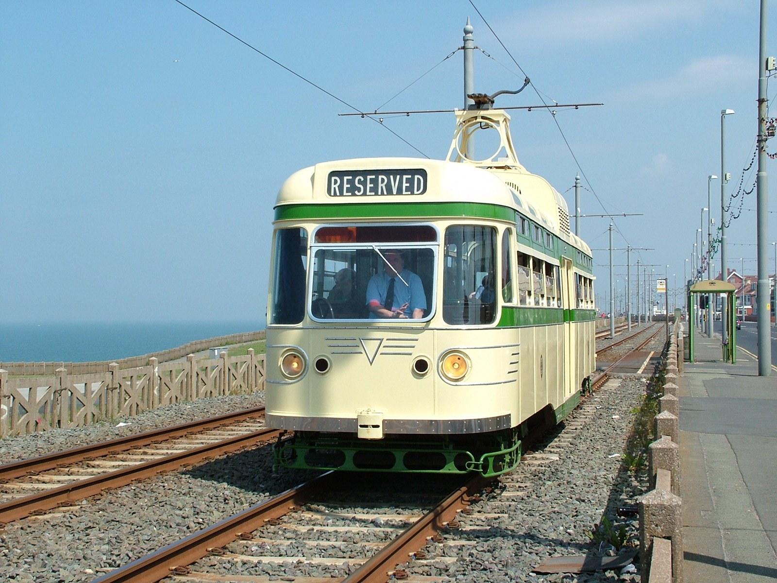 Tram304-12