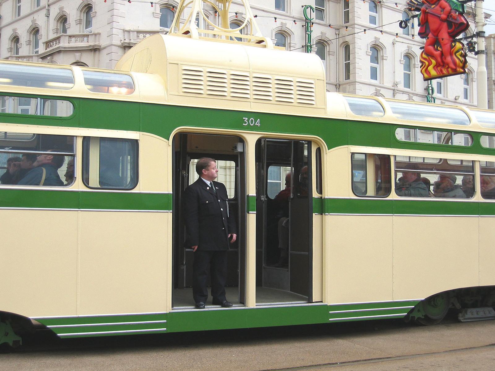 Tram304-3