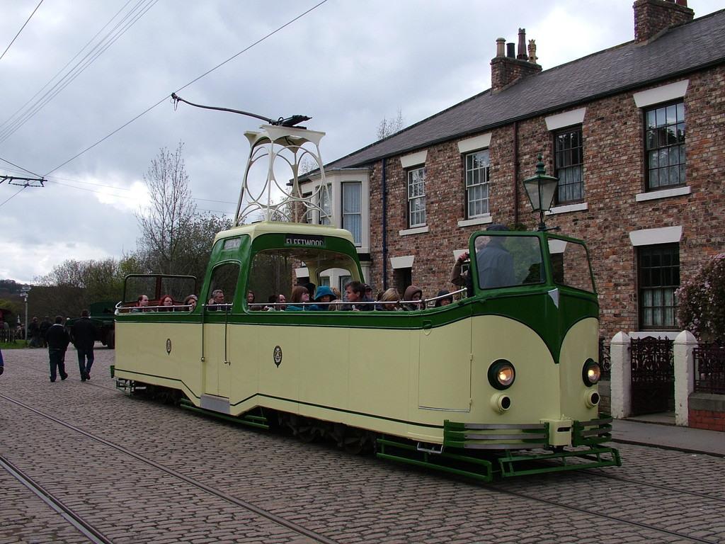 Tram605-12
