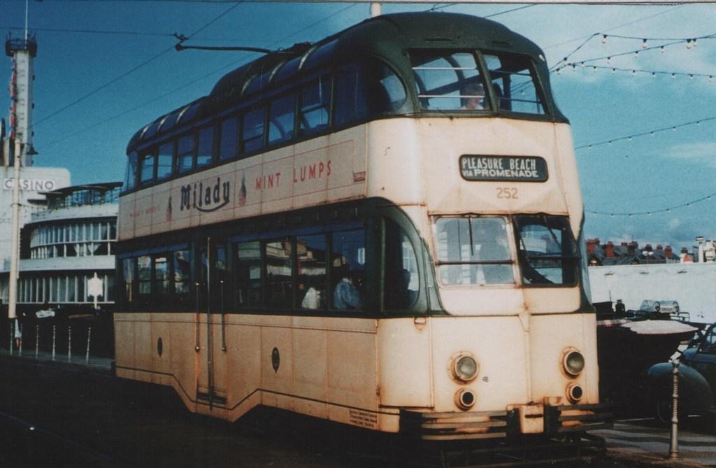 Tram715-8