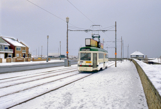Tram8-12
