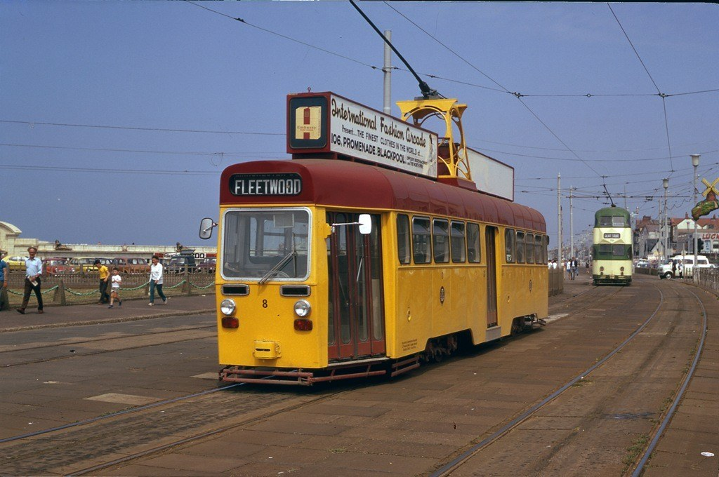 Tram8-8